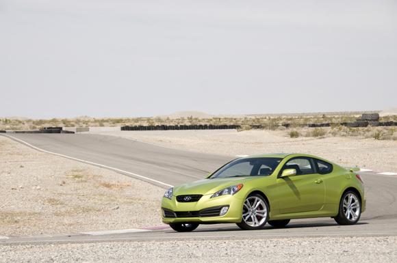 2010-hyundai-genesis-coupe-4