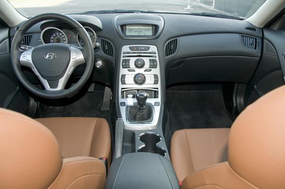 2010-hyundai-genesis-coupe-6