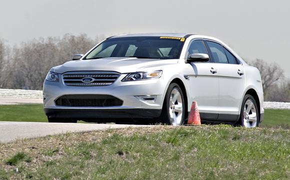 2010-ford-taurus-sho-3