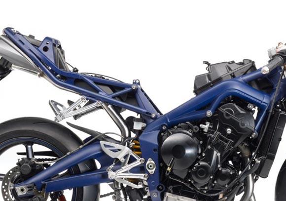 novi-motor-triumph-daytona-675se-3