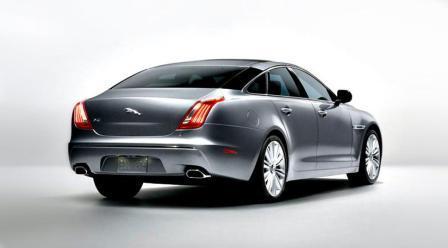 auto-2010-jaguar-xj-4