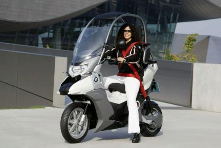 BMW elektricni skuter-1