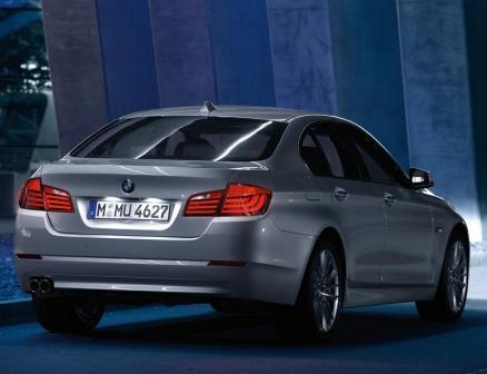 novi auto BMW 5-2