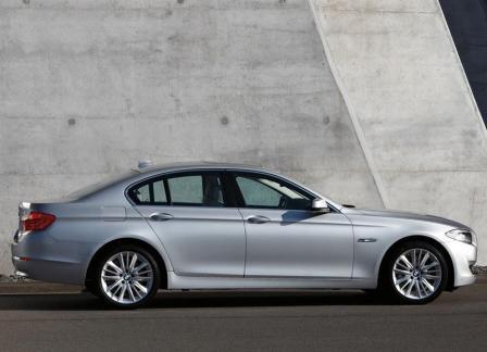 novi auto BMW 5-3