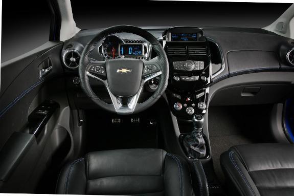 Auto Chevrolet Aveo-5