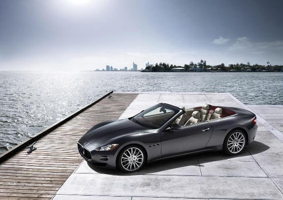 Auto Maserati GranCabrio-2