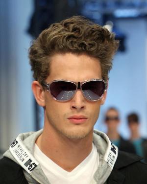 moderne muške frizure za kovr�avu kosu � m stil