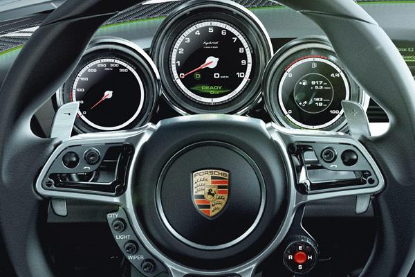 Porsche 918 Spyder-4