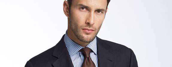 Tamno-plavo-muško-odijelo
