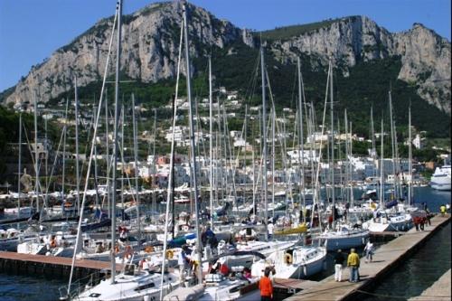 1 Capri, Italija