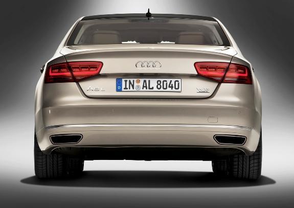Audi A8 L-4