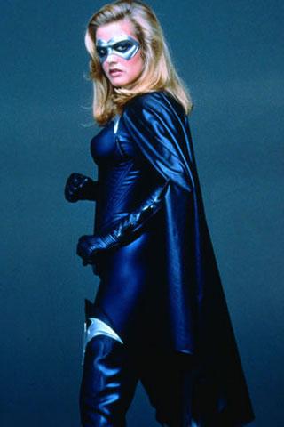 Glumice u superuskim odijelima-5