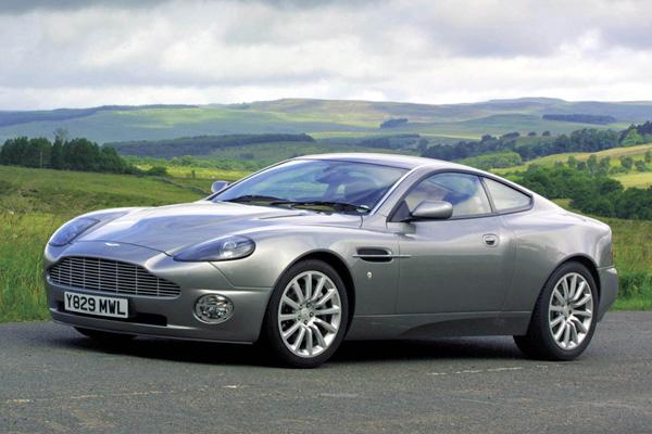 Aston-Martin-Vanquish-_600-600x400