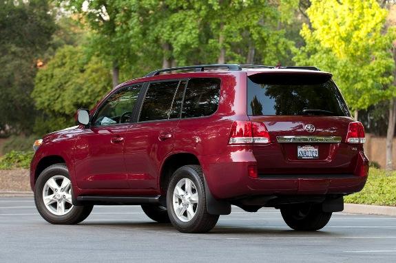 http://m-stil.covermagazin.com/wp-content/uploads/2011/07/2011-Toyota-Land-Cruiser-2.jpg
