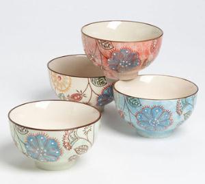 Zdjelice sa cvjetnim uzorkom