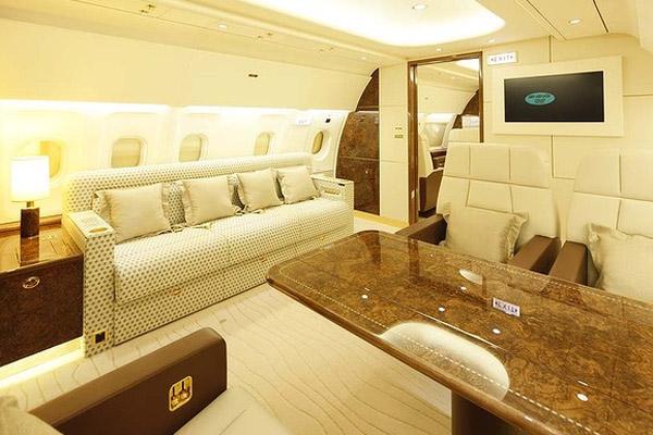 Unutrašnjost luksuznog Airbus ACJ319 aviona