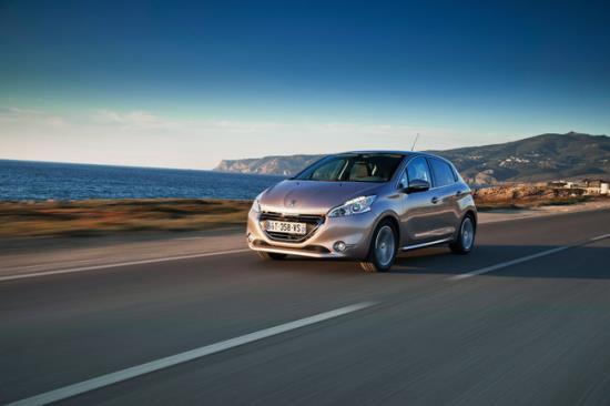 Peugeot_208_1