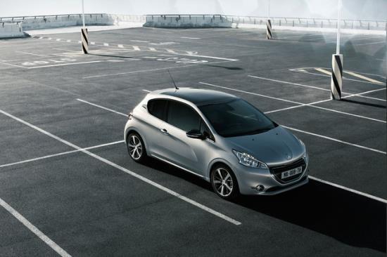 Peugeot_208_6