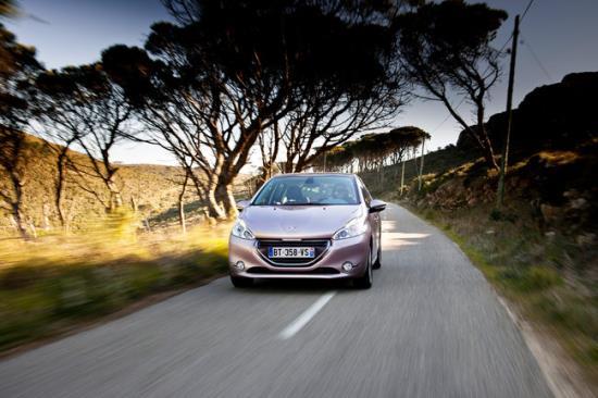 Peugeot_208_7