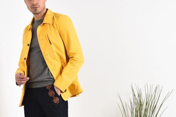 Žuta boja za modernog muškarca