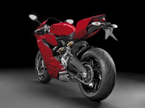 Ducati_motor_2