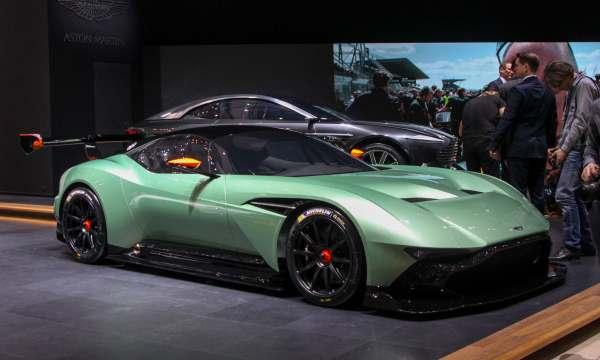 Aston Martin V12 Vulcan Hypercar-3