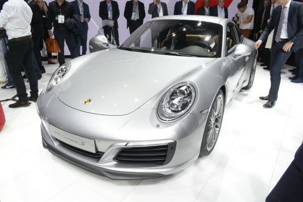 Porsche 911 Carrera-2016-1