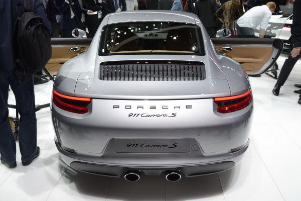 Porsche 911 Carrera-2016-2