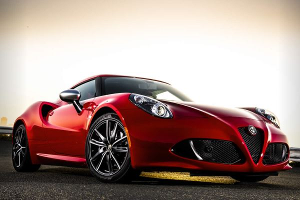 Alfa Romeo 4C -fotografije-automobila-1