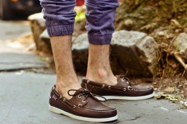 Kako nositi cipele bez čarapa