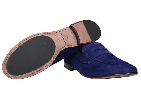Moderne muške cipele u boji