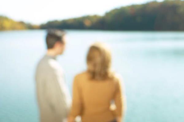 Da li žene varaju s poznanicima ili nepoznatim osobama?