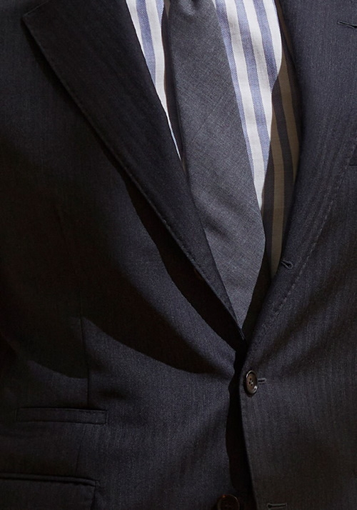 Najmodernije kravate za proljeće - plava i siva